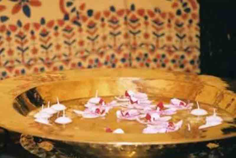 arabian props, giant brass dish, chill out furniture hire, oxfordshire, gloucestershire