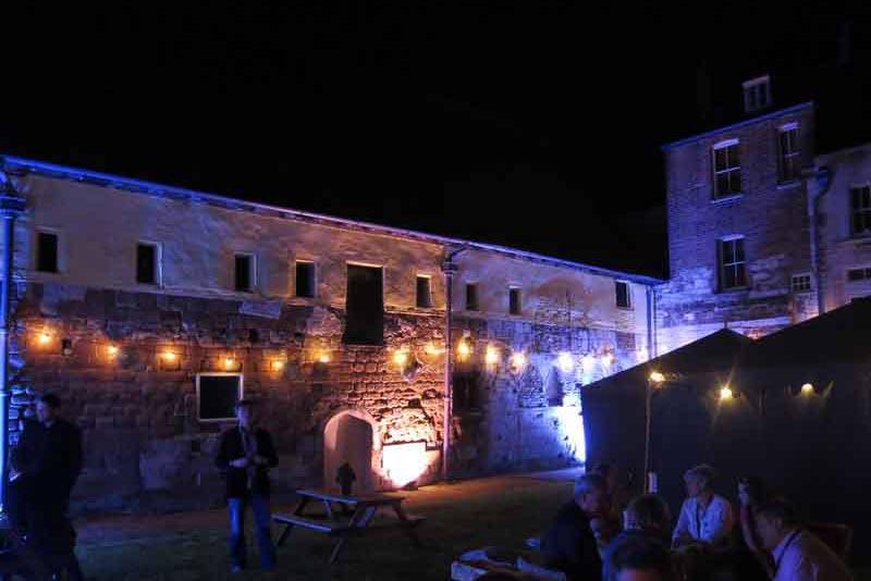 event lighting, Festoon lights, marquee hire, garden party tents, outdoor
