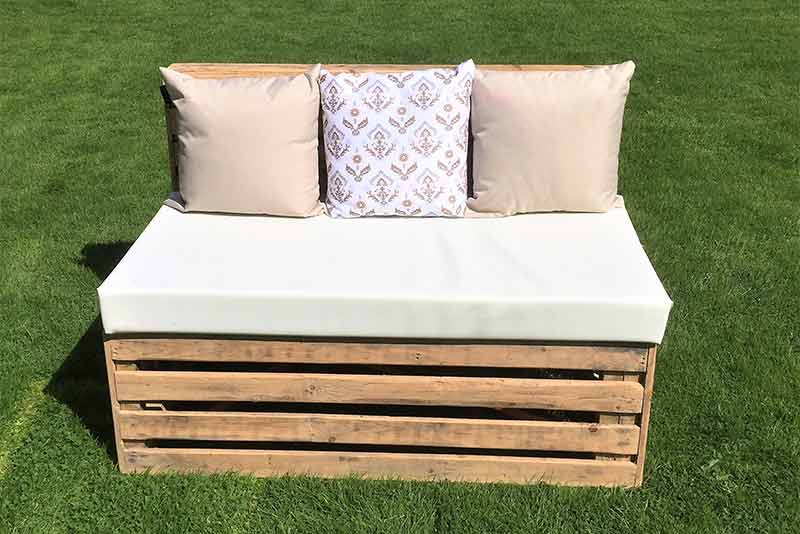 pallet furniture hire, pallet bench, pallet coffee table, event furniture, hire, outdoor scatter cushions